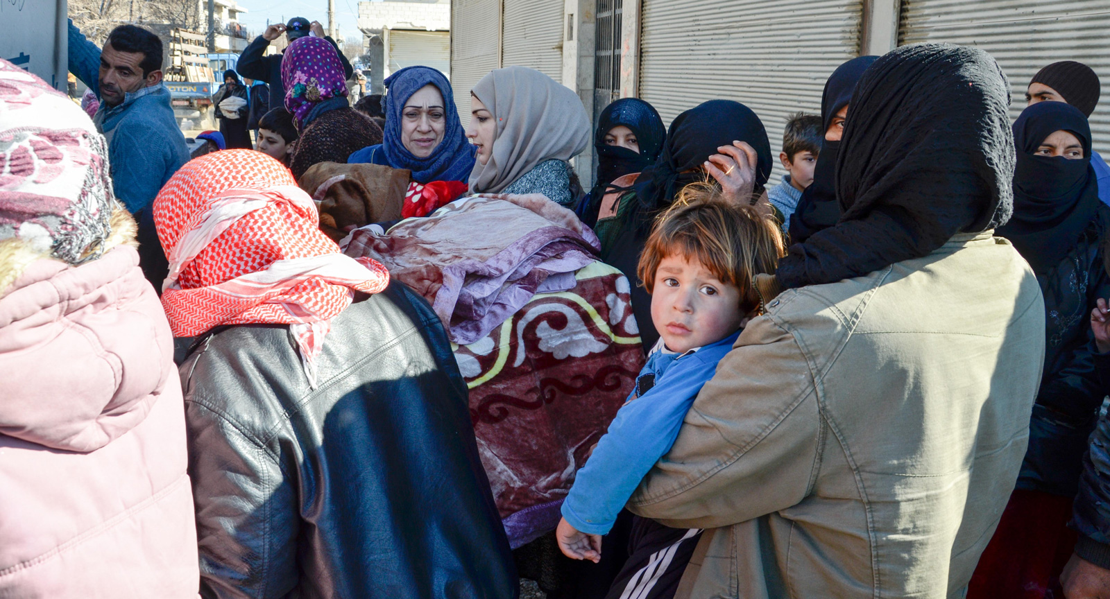 Support US military efforts to provide winter supplies to displaced families in northeast Syria